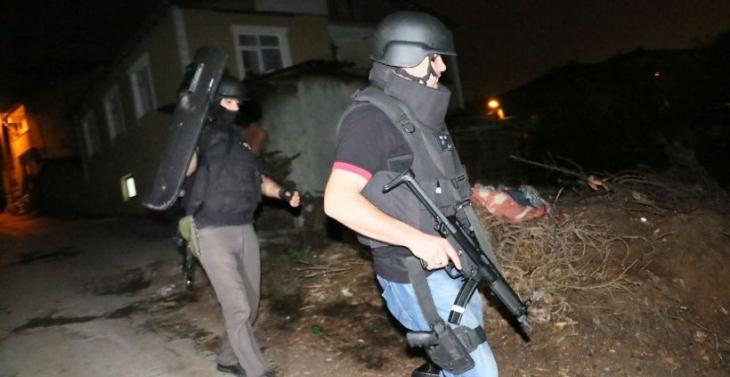Ev baskınları sürüyor: 37 kişi gözaltına alındı
