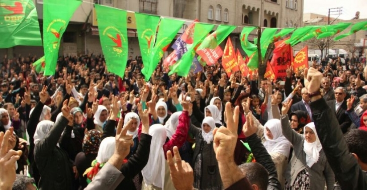 Antep Newrozu'ndan 'müzakere masasına dönme' çağrısı