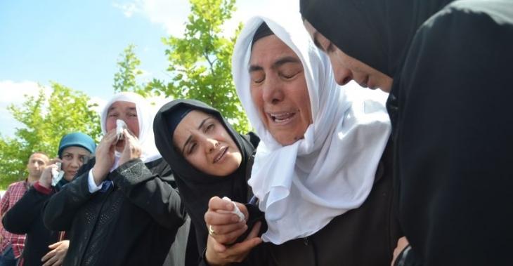 Kobanê'de yaşamını yitiren Akgün, Esenyurt'ta toprağa verildi