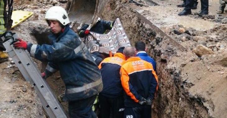 Kanalizasyon çalışmasında toprak kayması: 1 işçi yaşamını yitirdi