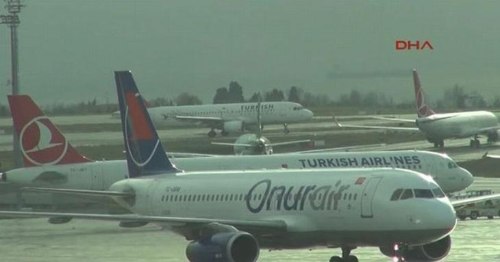 İstanbul'da 228 uçak seferi iptal edildi