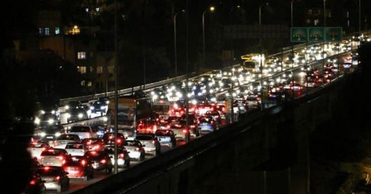 İstanbul'da trafik yoğunluğu yüzde 90'a dayandı