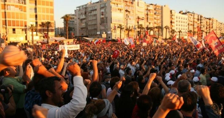 İzmir'de yüzlerce kişiye Gezi davası