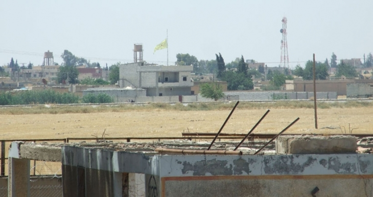 Til Ebyad'da IŞİD bayrağı indi, YPG bayrağı asıldı