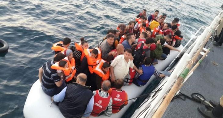 Ege'de 5 günde 1083 mülteci yakalandı