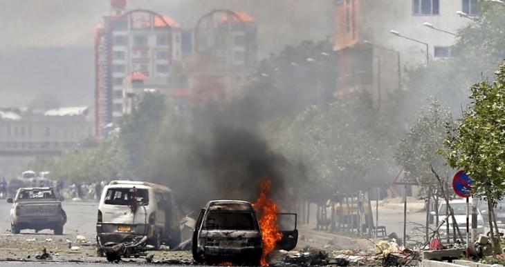 Taliban Afganistan Meclisini bastı