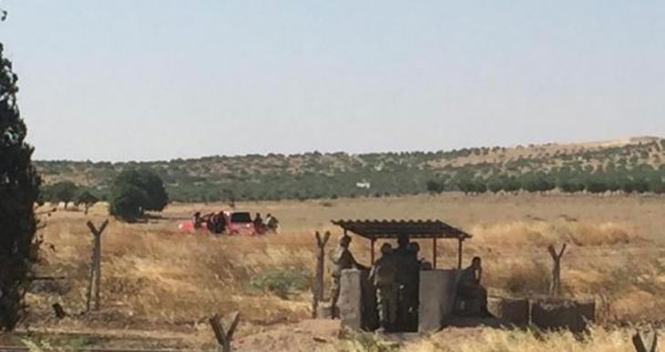 IŞİD, Cerablus'ta askerlerin gözü önünde mayın döşeyip hendek kazdı