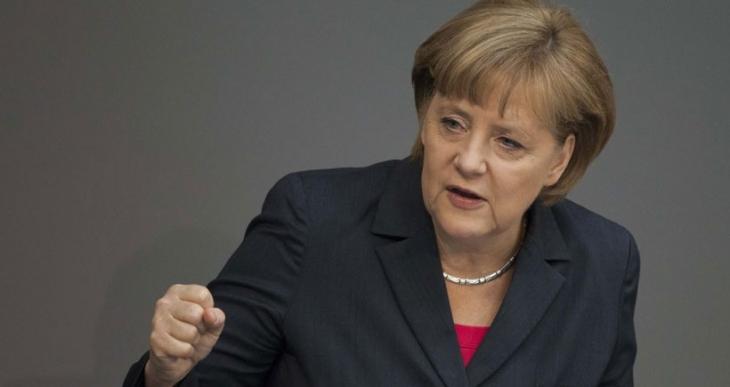 Merkel: Referandumdan önce Yunanistan'la müzakere yok