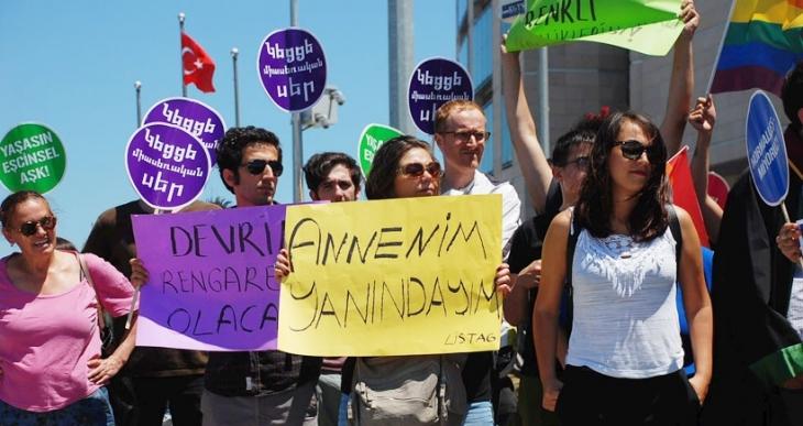LGBTİ'lerden polis şiddetine suç duyurusu