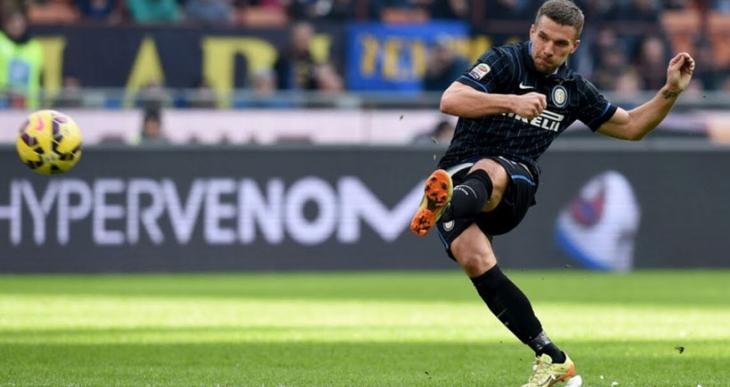 Galatasaray'ın yeni transferi Podolski İstanbul'a geldi