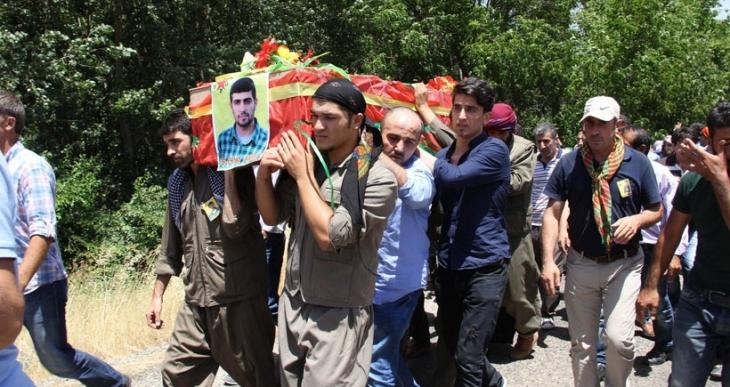 YPG savaşçıları toprağa verildi