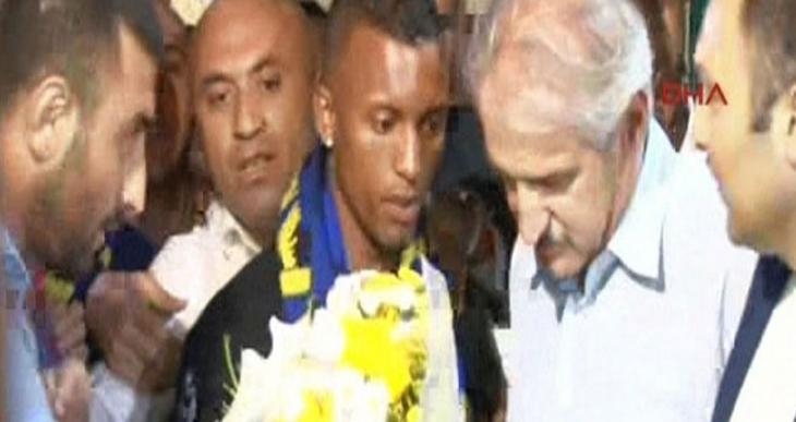 Luis Nani Fenerbahçe için İstanbul'a geldi