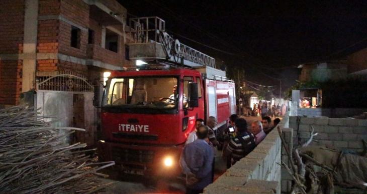 Su kesintisi yaşayan mahalleli, itfaiye aracı ile 3 personeli rehin aldı
