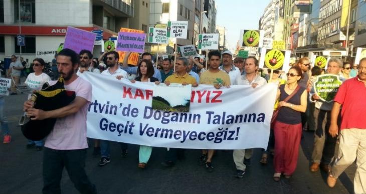 'Diren Artvin, İstanbul seninle'
