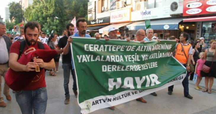 İzmir'de doğa katliamları protesto edildi