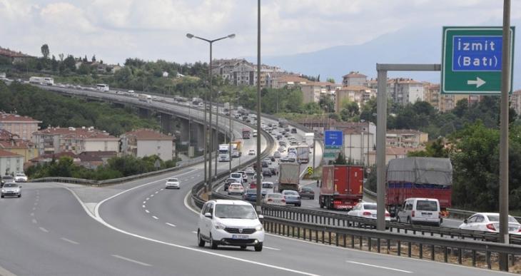 İstanbul'da tek yönlü bayram trafiği