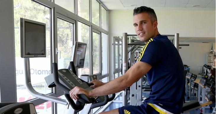 Fenerbahçe'de Van Persie, ilk idmanına çıktı
