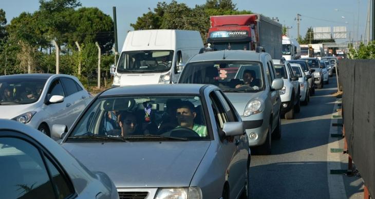 Yalova'da da trafik yoğunluğu arttı