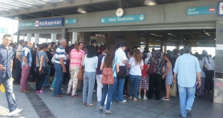 Mahkemeden, İzmir Kentkart ihalesi ile ilgili yürütmeyi durdurma kararı