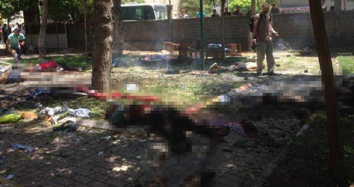 Suruç'ta Kobanê için toplanan gençlere bombalı saldırı: 31 kişi öldü