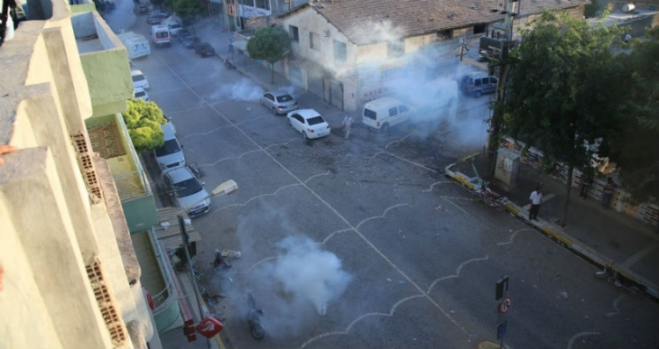 Suruç'ta gaz bombalı saldırı
