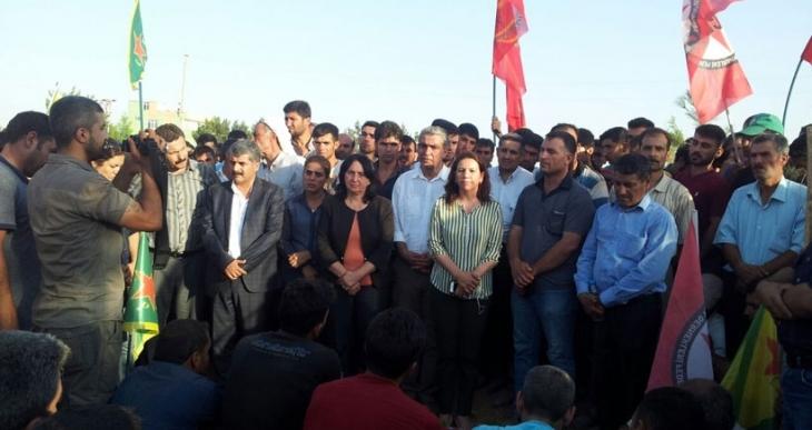 Osman Çiçek ve Kasım Deprem Suruç'ta toprağa verildi