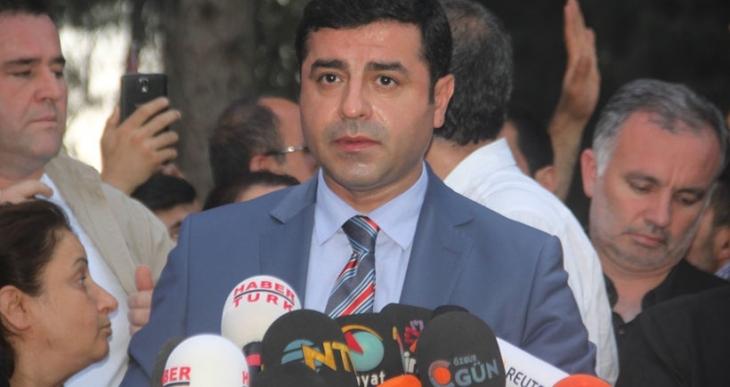 Demirtaş: Bir yılda 10 bin HDP'li tutukladınız. Samimiyseniz IŞİD hücrelerine operasyon yapın