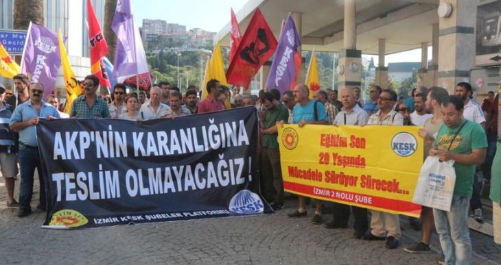Eğitm Sen'e baskıya İzmir'den tepki