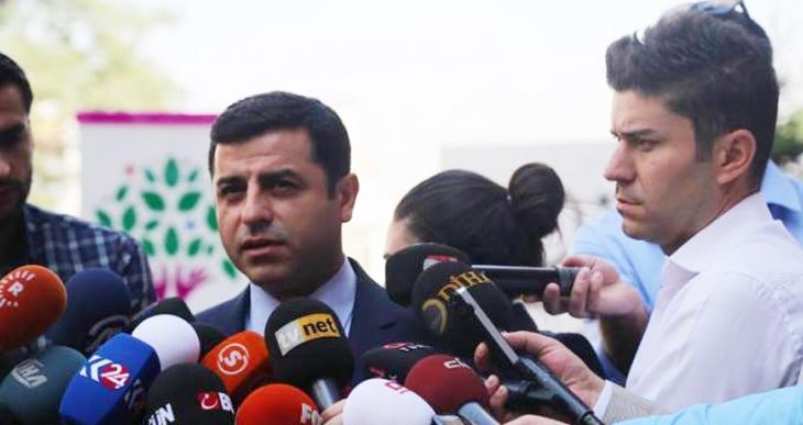 Demirtaş: AKP hükümetini kalıcılaştırmak için Türkiye'yi ateşe atıyor