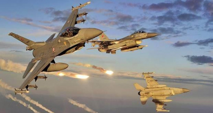 Diyarbakır'dan kalkan savaş uçakları Lice'ye yanıcı madde bırakıyor