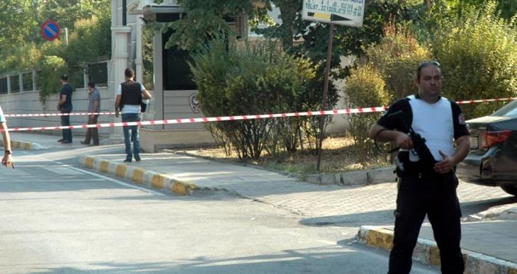 Beylikdüzü'nde polis merkezi yakınındaki silah sesleri polisi alarma geçirdi