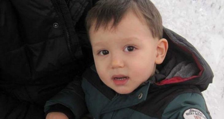 Üzerine televizyon düşen 3 yaşındaki Talha, öldü