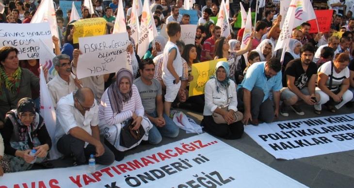 Şirinevler Meydanı'nda barış eylemi