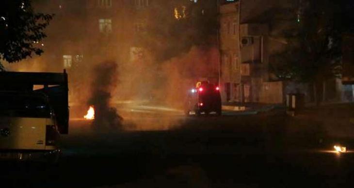 Diyarbakır'da barış için yürüyen yurttaşlara polis saldırısı