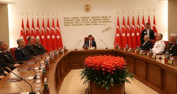 Yüksek Askeri Şura, Başbakan Davutoğlu başkanlığında toplandı