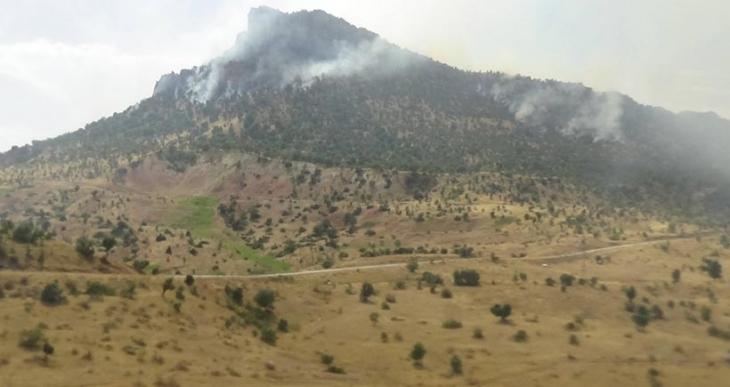 Gabar Dağı'nda top atışları sonrası yine yangın çıktı