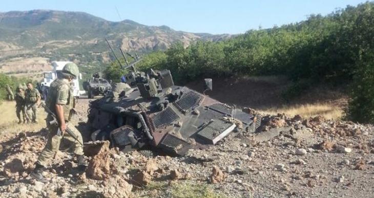 Silvan'da baraj şantiyesine ve karakola saldırı