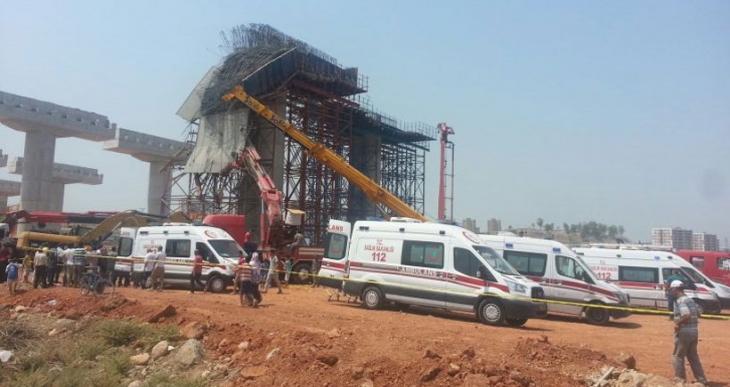 Viyadük inşaatında harcın altında kalan 4 işçi hayatını kaybetti