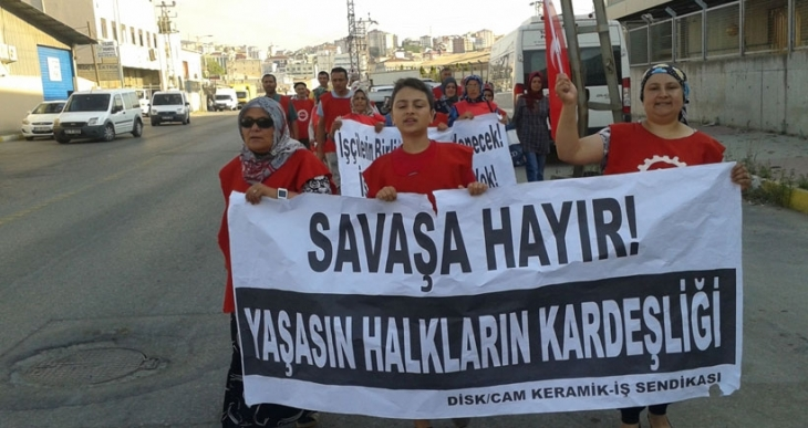 SeraPool işçilerinden barış yürüyüşü