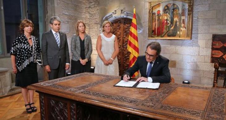 Katalonya'da bağımsızlık için  erken seçim kararı