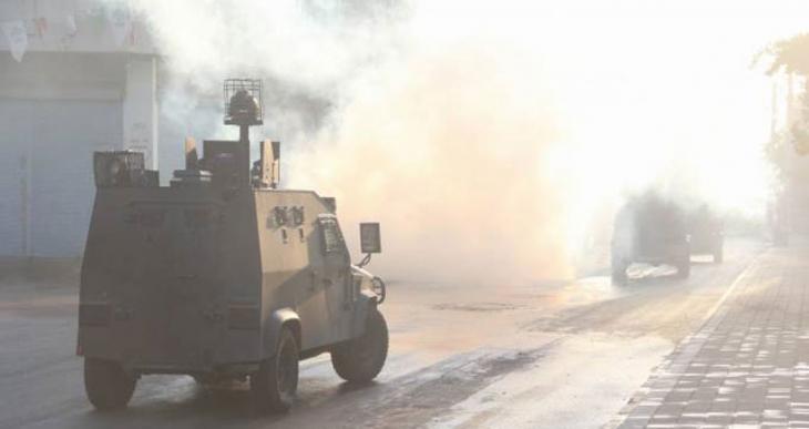 Adana'da barış yürüyüşüne polis saldırısı