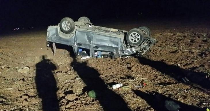 Tarım işçilerini taşıyan kamyonet şarampole yuvarlandı: 2 ölü, 11 yaralı