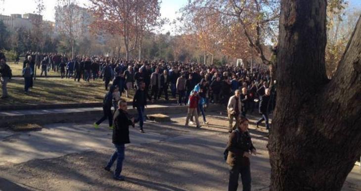 Sur yürüyüşüne polis saldırdı