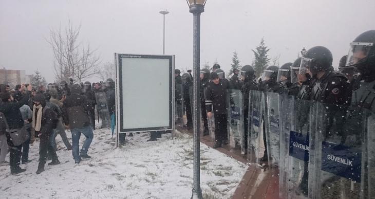 Kocaeli Üniversitesi'nde Roboski eylemine polis saldırdı, çok sayıda gözaltı var