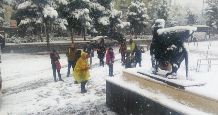 Barışa Yürüyorum Grubu kar ve tipiyle birlikte Diyarbakır'a ulaştı