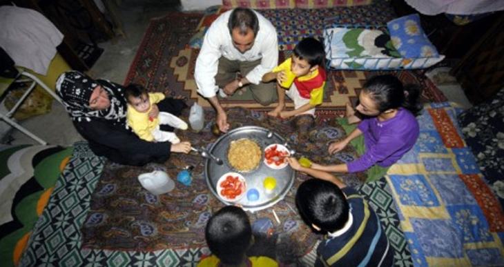 DİSK-AR raporu: Asgari ücretli 4 kişilik bir aile günde 15 lirayla doymak zorunda