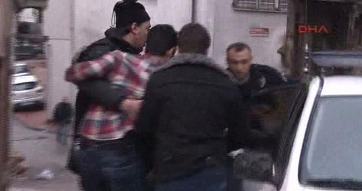 Beyoğlu'nda polise silahlı saldırı: 1 polis yaralı