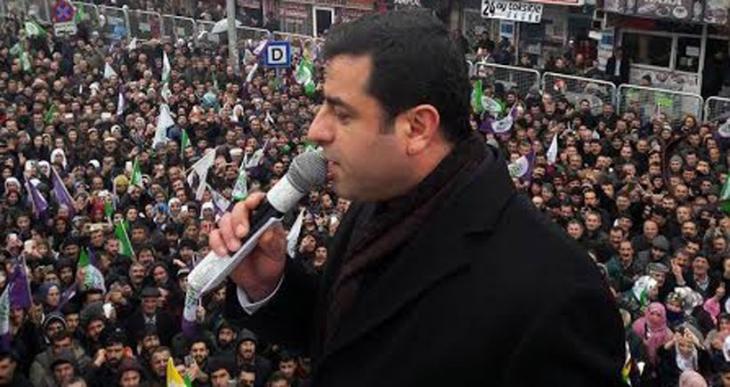 Demirtaş: Saray'ın şatafatından Kürt sorunu görünmüyormuş!