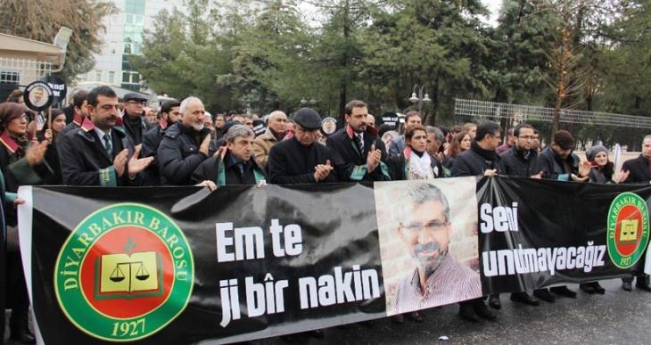 Diyarbakır Barosu: Polis isterse Tahir Elçi'nin katilini bulabilir