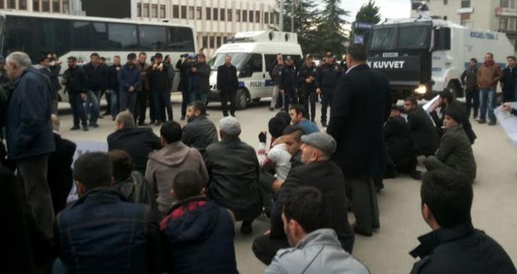 Kocaeli'nde barış yürüyüşüne saldırı: 5 gözaltı